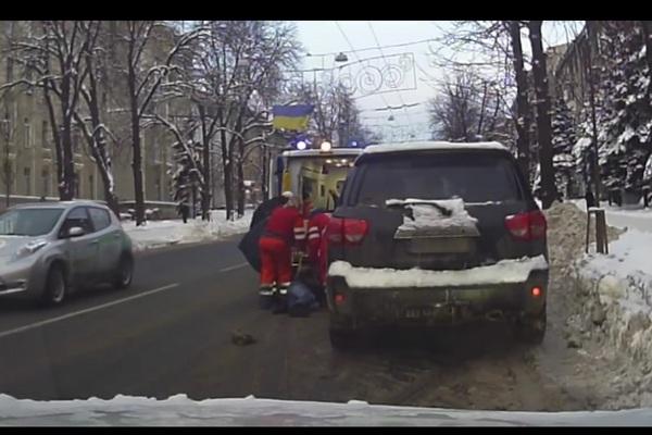 Подтверждением этому также служит скриншот видео — заглавное фото новости о предотвращении заказного убийства на сайте прокуратуры области.